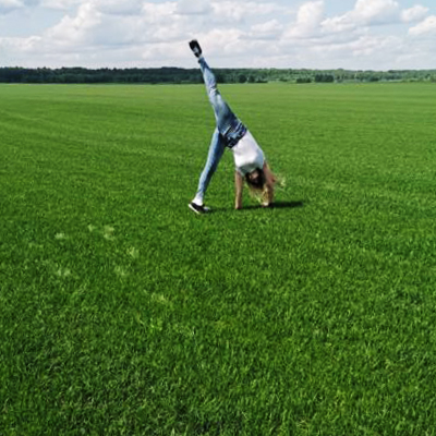 изумрудный рулонный газон в Беларуси